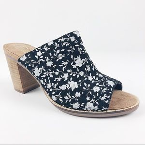 Tom's black & white floral block heel sandals